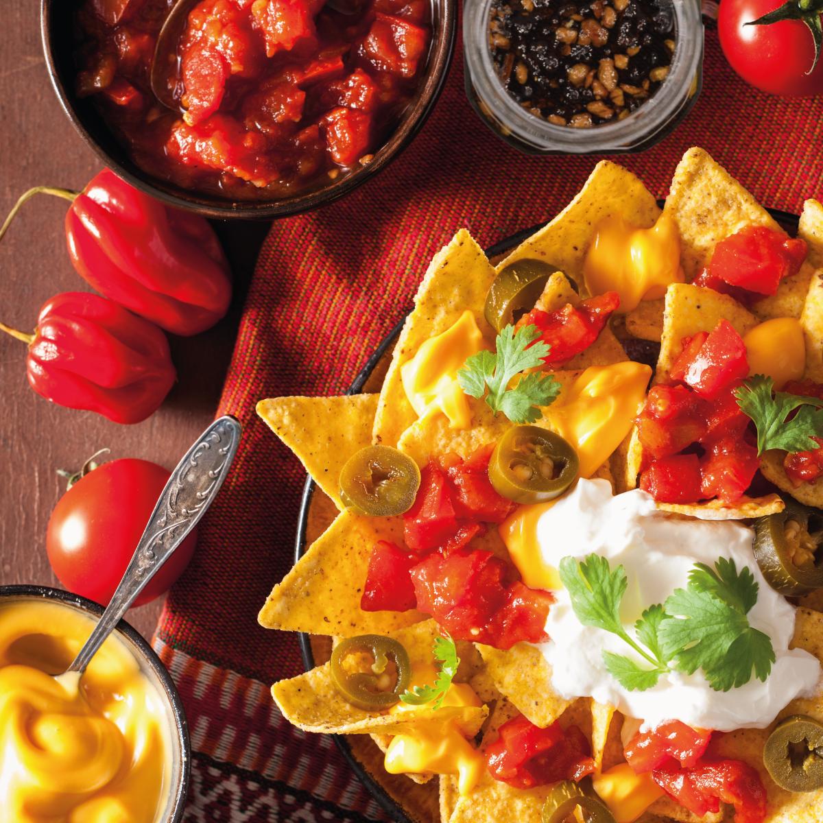 Nachos con salsa Invita.